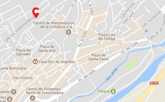 La calle Hernando de Monroy de Plasencia estará cortada un mes por obras de renovación de colectores