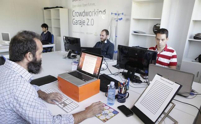 La Fundación Caja de Extremadura y el Ayuntamiento de Cáceres firman un convenio para fomentar el emprendimiento