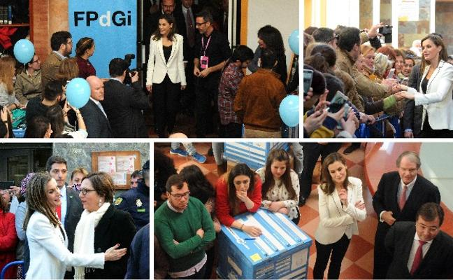 La Reina anima a los jóvenes en Mérida a que emprendan