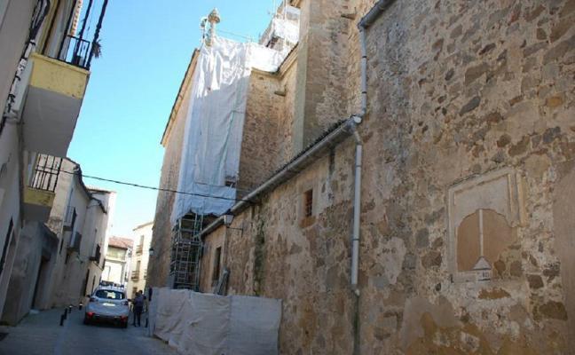 Medio Ambiente pide previsión a los constructores de Trujillo ante la llegada del cernícalo primilla