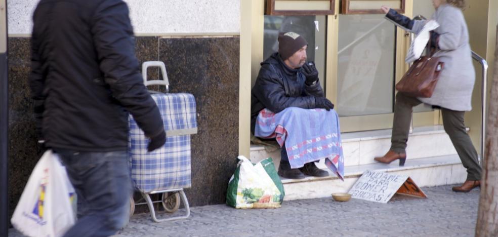 La ola de frío obliga a alojar en Cáceres a más personas en hostales y en el albergue
