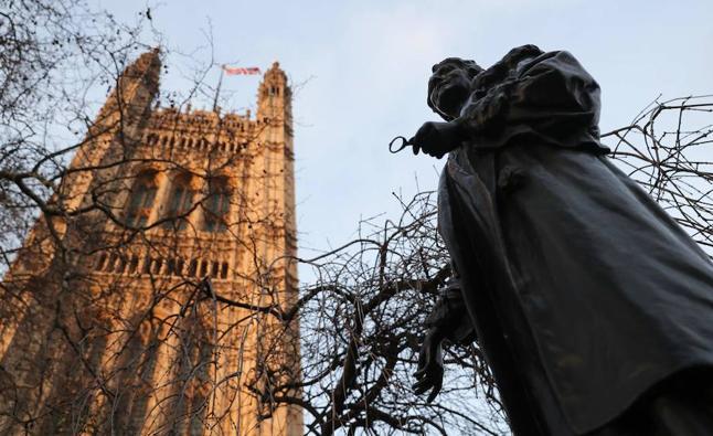 Uno de cada cinco trabajadores del Parlamento británico experimentó acoso