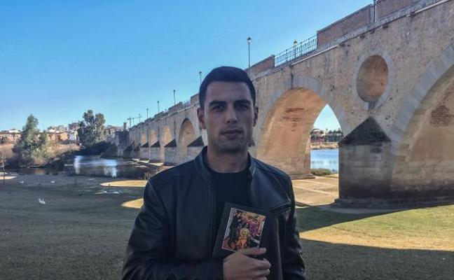 El pacense Alex Garzó presenta su segundo libro