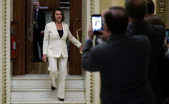 La demócrata Nancy Pelosi bate un récord tras hablar 8 horas ante el Congreso