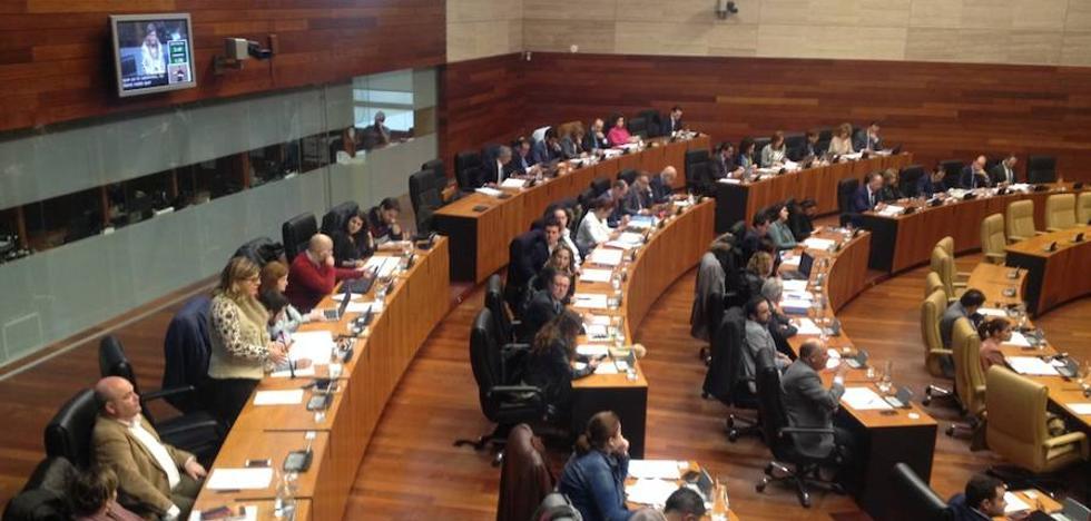 La Junta ha abordado el cierre de sucursales rurales con el Banco de España