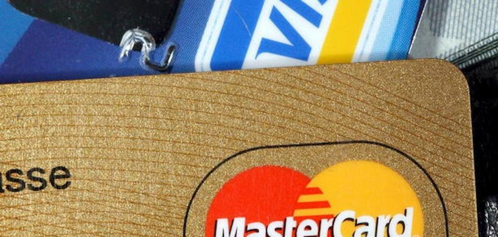 Detenido un joven que gastó en internet 15.000 euros con tarjetas robadas en Badajoz y otros lugares