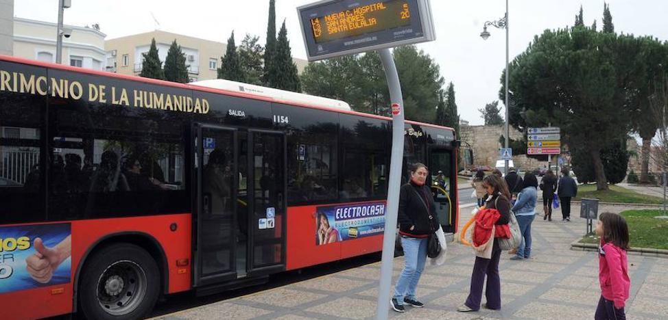 Tres días de huelga en el servicio de autobuses urbanos de Mérida por el despido de 11 empleados