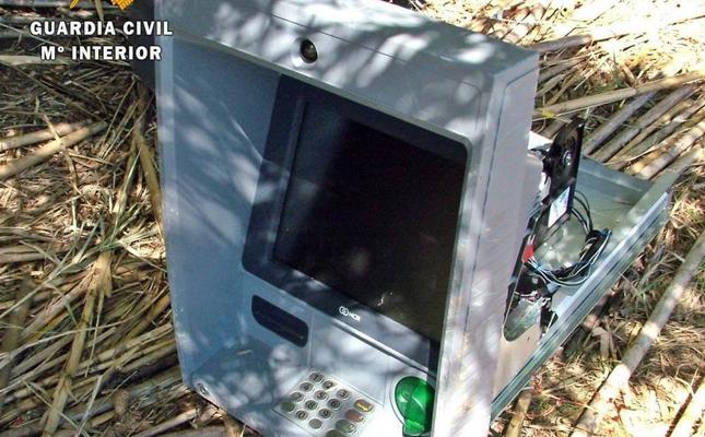 Detenidos en Mérida dos miembros de una banda especializada en el robo de cajeros