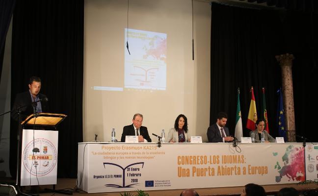 Esther Gutiérrez destaca el valor de los idiomas en el congreso del IES El Pomar