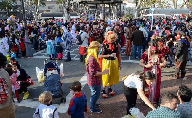 Actuaciones de murgas, disfraces y concursos en San Francisco en Badajoz