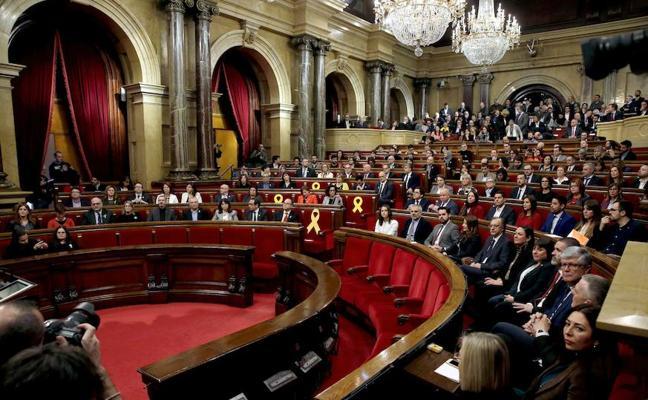 El TC anula el acuerdo de la mesa del Parlament que permitió tramitar la ley del referéndum