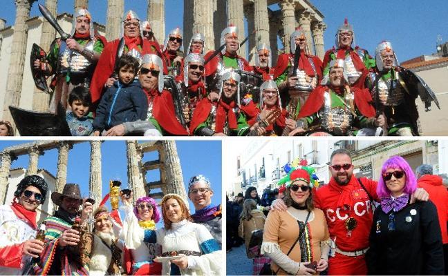 Las coplas monumentales y los cantacalles animan el Carnaval de día