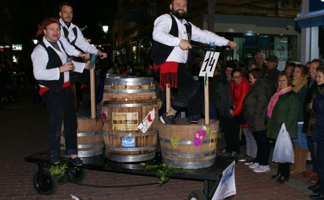 Cerca de treinta grupos en el pasacalles carnavalero de Navalmoral