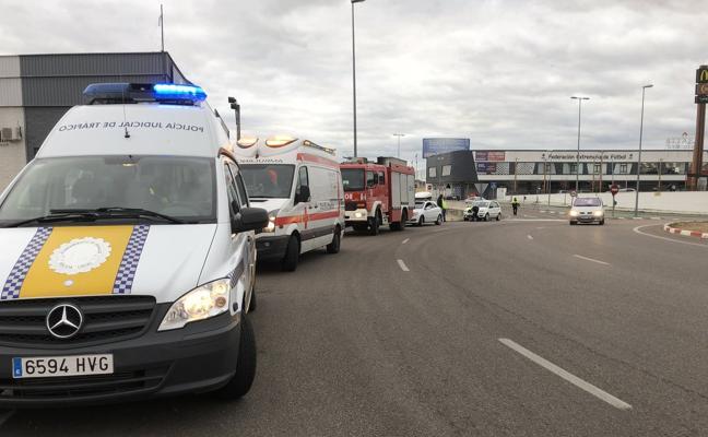 Dos mujeres, heridas en un accidente de tráfico por alcance en Badajoz