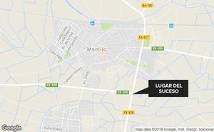 Un hombre de 47 años, herido tras el accidente entre un turismo y una moto en Montijo
