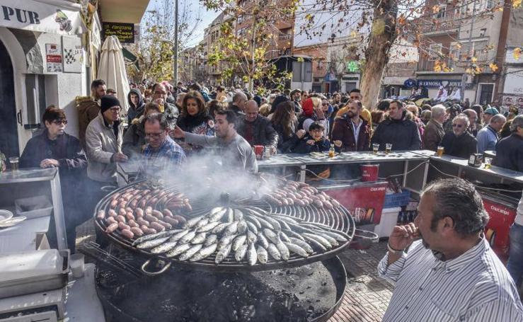 Más de 500 kilos de sardinas para despedir el Carnaval de Badajoz