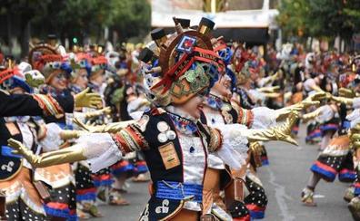 El traje de la comparsa ganadora en Badajoz, al detalle