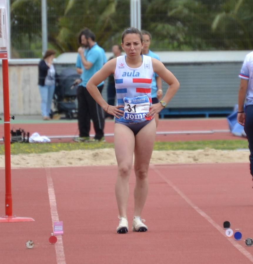 Doble récord de Extremadura de Lucía Sánchez