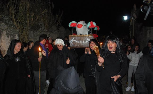 Trujillo despide el carnaval con el Entierro de la Sardina