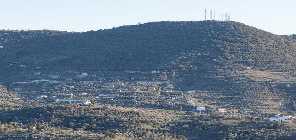 La Junta abre la puerta a regularizar toda la sierra de Santa Bárbara