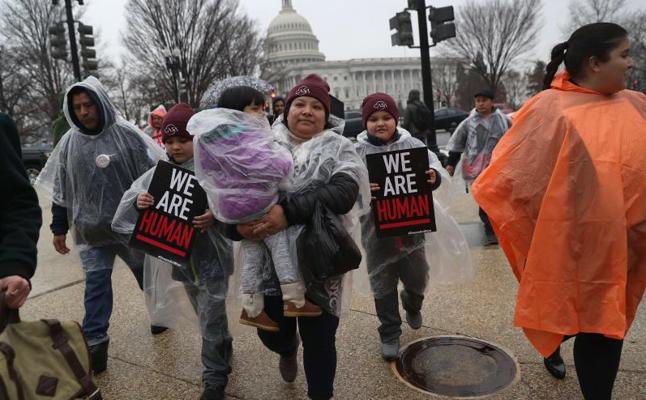 Un segundo juez de distrito bloquea la derogación del programa que impide la deportación de 800.000 'dreamers'
