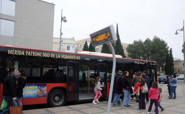 Desconvocan la huelga de autobuses urbanos en Mérida al reducirse de once a cuatro los despidos