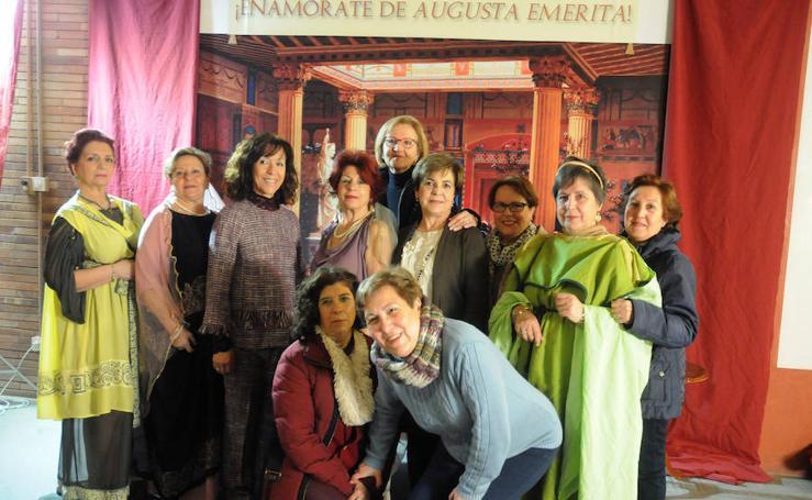 Participantes en la actividad '¡Enamórate de Augusta Emerita!', celebrada en el Museo Romano