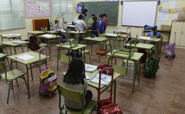 UGT no negociará plantillas de Secundaria mientras la Junta no recupere las 18 horas lectivas