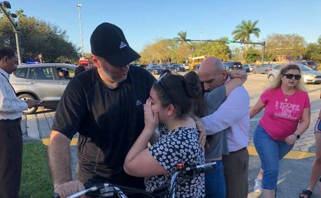 La madre de la profesora española de Florida: «No la llamé por miedo, por si el teléfono hacía ruido»