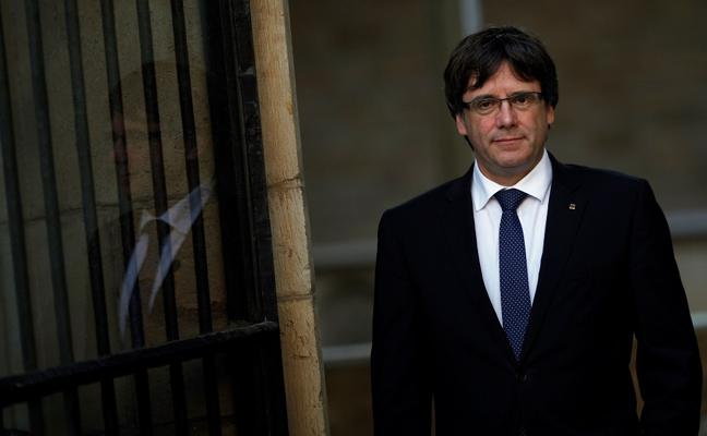 Puigdemont: «Intentan dividir a los alumnos, pero el catalán resistirá»