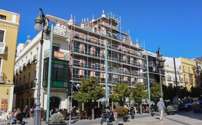 La fachada de la casa Álvarez-Buiza de la plaza de España de Badajoz será rehabilitada