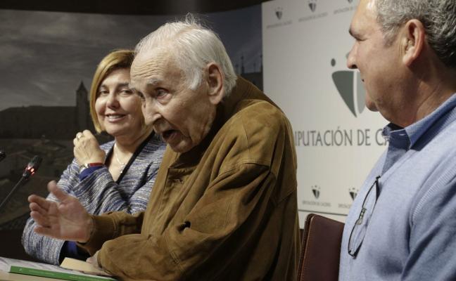 La revista Alcántara glosa la figura del exalcalde Iglesias Marcelo