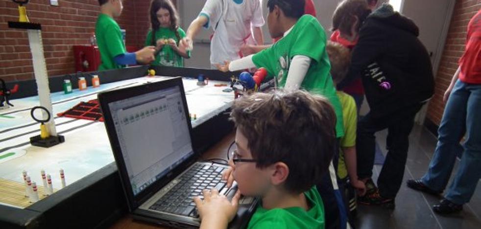 Un equipo cacereño, en la final de un torneo nacional de robótica