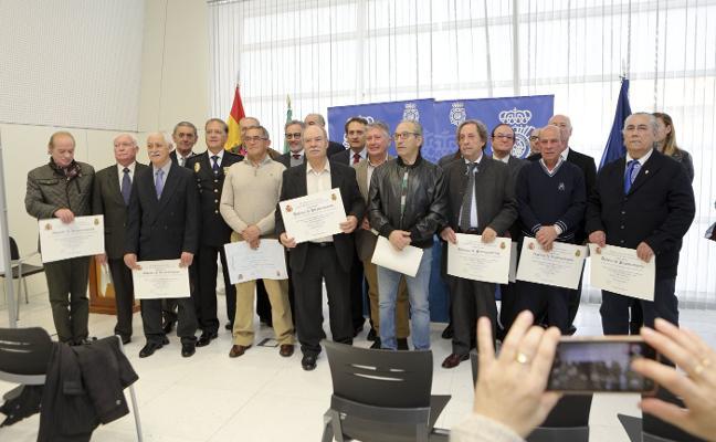 Homenaje a los policías nacionales jubilados en Cáceres