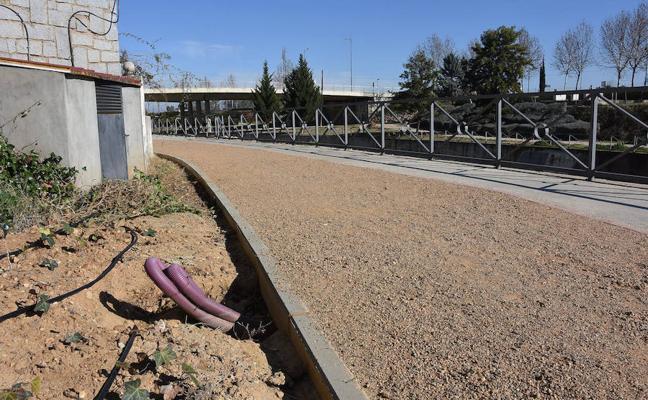 El nuevo parque de la margen izquierda de Badajoz se iluminará a partir de abril