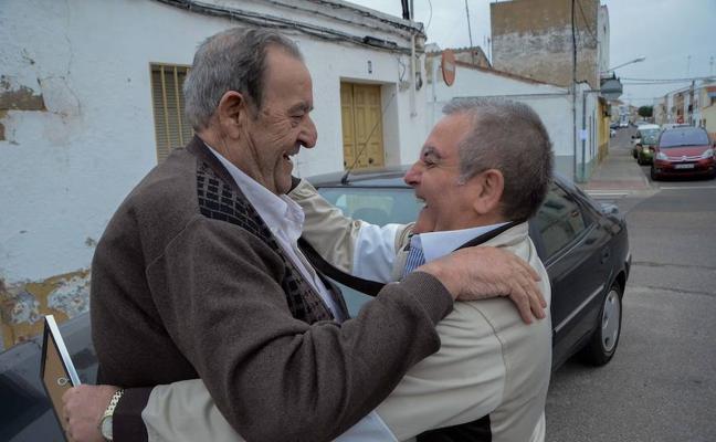 Fallece tres meses después de cumplir el sueño de reencontrarse con su amigo de la mili