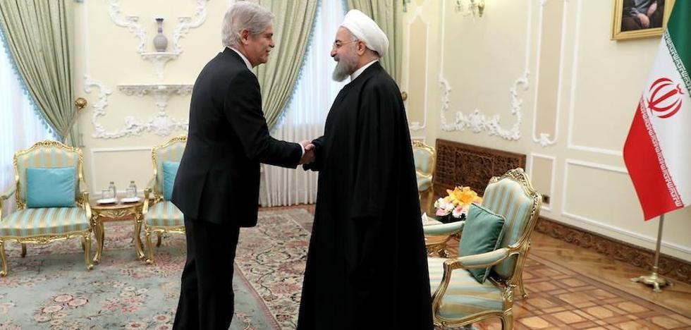Dastis pide en Irán apostar por el diálogo y evitar «carreras armamentísticas»