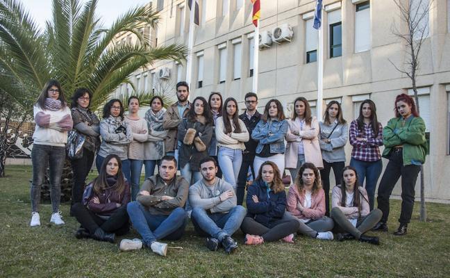 «He pagado 1.200 euros por una formación que no estoy recibiendo»