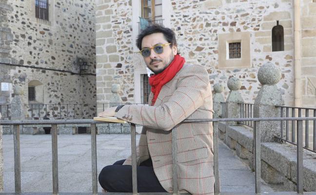 Antonio Lucas: «Los que venimos de fuera descubrimos una ciudad con un calambre extraordinario»