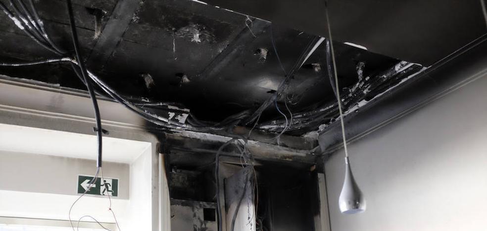 Desalojan el hotel Plaza Grande de Zafra debido a un incendio en la recepción