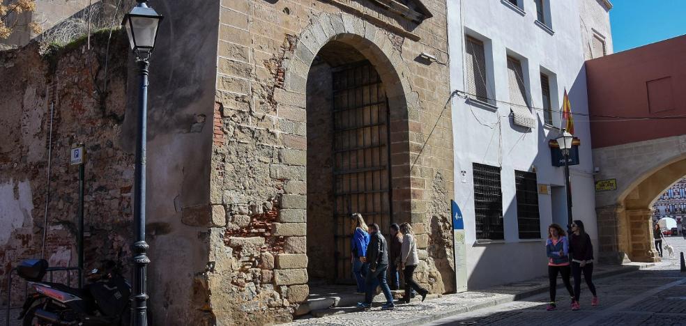 La restauración de la puerta del Capitel de Badajoz solo afectará a la portada renacentista