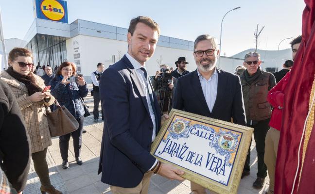 Inaugurada la nueva calle Jaraíz de la Vera en Plasencia