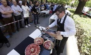 Los cortadores de jamón piden respeto a su oficio