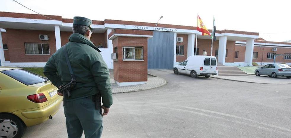 Las prisiones de Cáceres y Badajoz tienen unas carencias de plantilla del 21 y el 9%, según CSIF