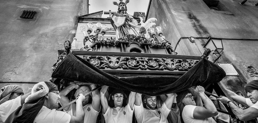Arnelas gana el XX Certamen de Fotografía de Semana Santa de Badajoz