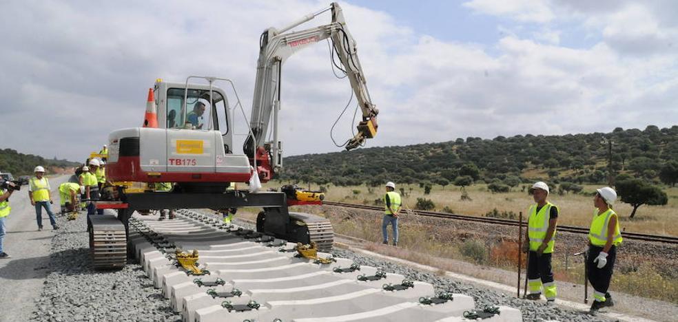 La adjudicataria del acceso del tren rápido a Mérida pide el concurso de acreedores