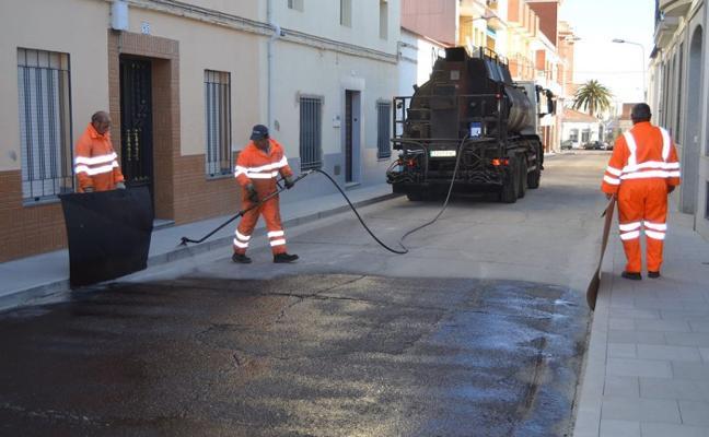 Culmina con su asfaltado la mejora de tres calles del barrio del Pilar de Villanueva