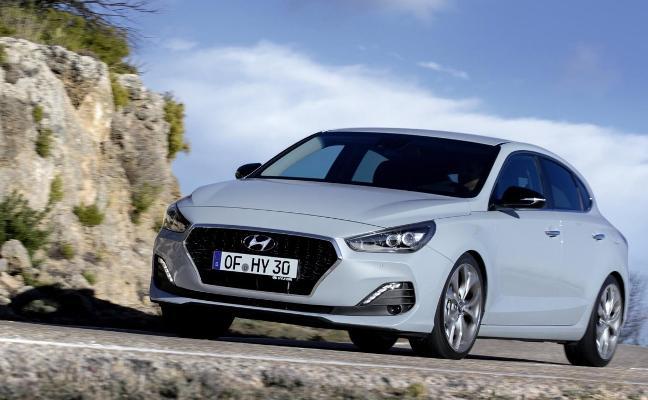 Hyundai estrena la tercera carrocería del i30, un coupé de cinco puertas