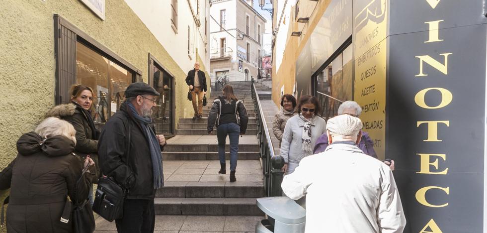 Las escaleras mecánicas hasta Obispo Galarza estarán listas en 2019