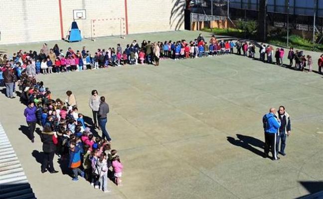 Vergeles asegura que el brote de sarna en el colegio de Calamonte está controlado